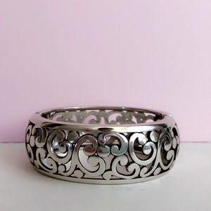 Royal Design Hinged Bracelet